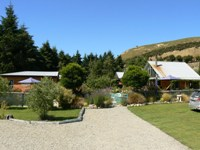 Olive Grove Backpackers at Waianakarua